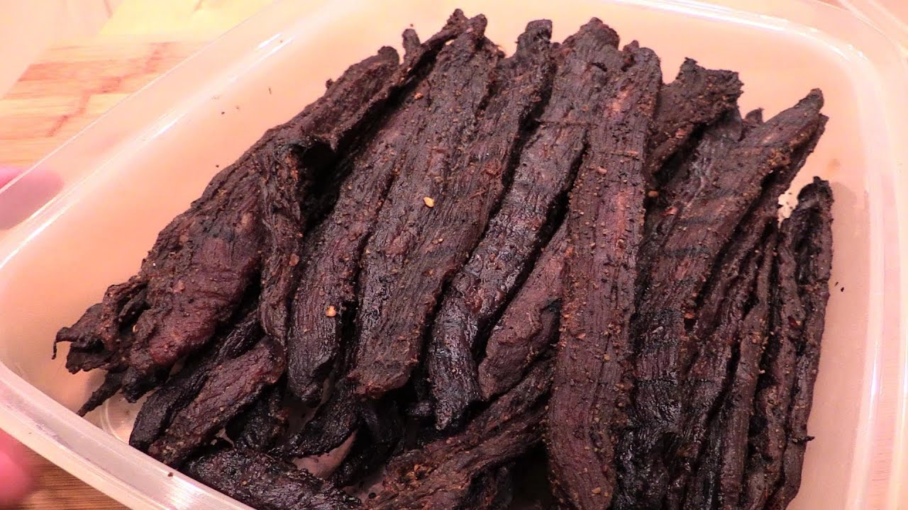 Beef Jerky on the Weber Smokey Mountain - YouTube