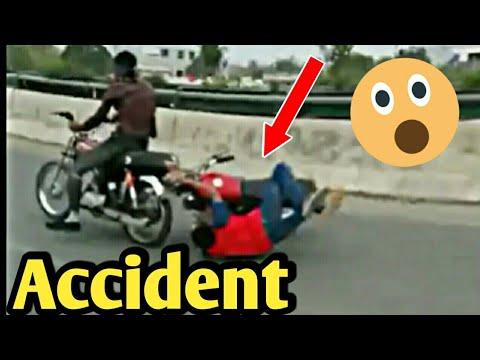 Accident in Race   ALLAH ny Bacha Liya   ( Ustaad Babu 70 )