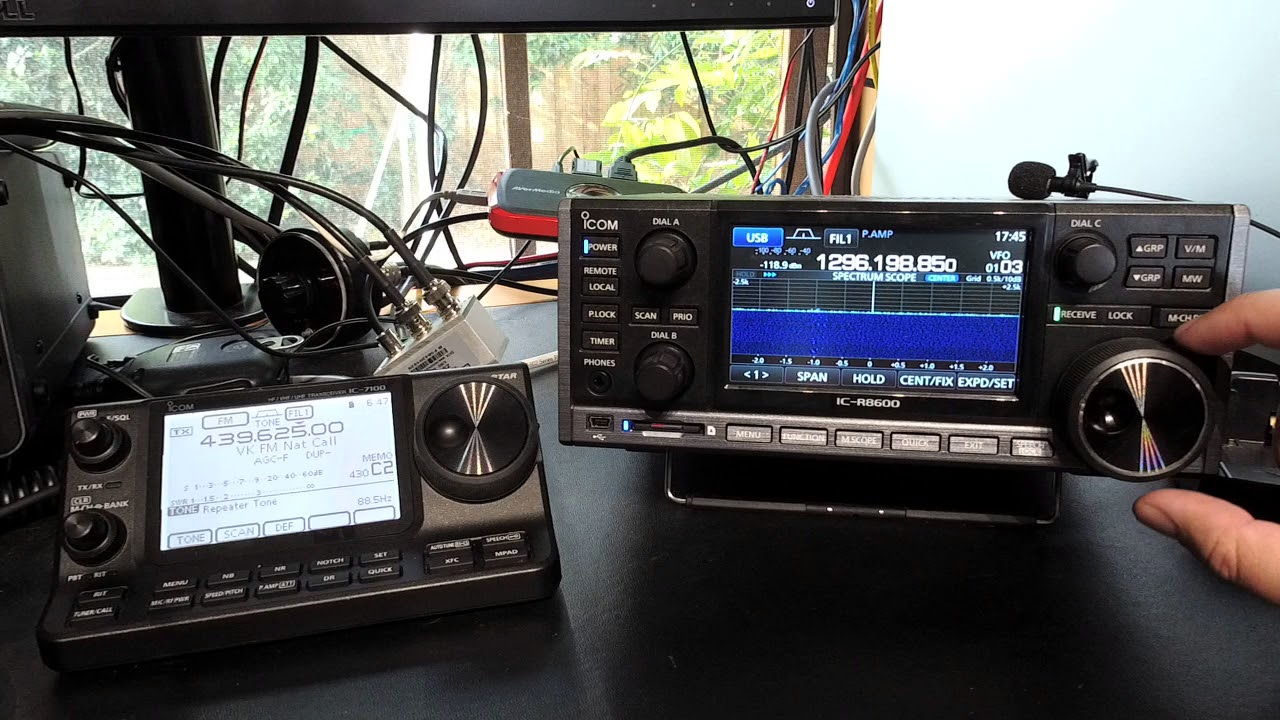Icom IC-R8600 23CM with Generic 25MHz to 1.3GHz Discone Antenna on