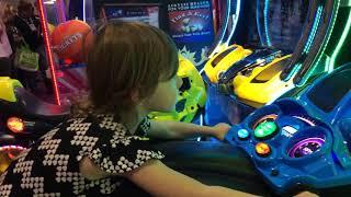 3 YEAR OLD KID RACES MOTORCYCLE ARCADE GAME SUPER BIKES 3