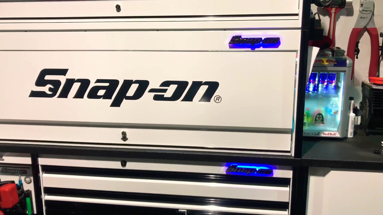 """84"""" epic SNAP-ON TOOLBOX with 💯 custom made backlit 10"""" SNAP-ON led  acrylic WiFi controlled emblems"""