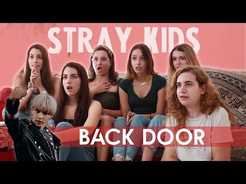 STRAY KIDS (스트레이키즈) \