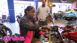 Naomi & Jimmy Uso visit a motorcycle shop to prepare for her movie role: Total Divas, Nov. 30, 2016