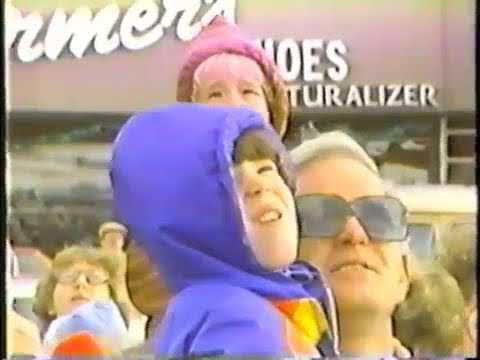WCPO 1981 - Santa at Former Gold Circle Mall Cincinnati News