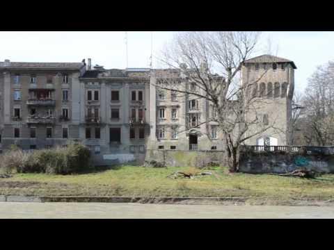 Passeggiando per le strade diParma - Walking down the streets of Parma