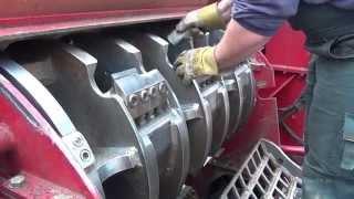 Repeat youtube video Wood Shredder Blade Maintenance
