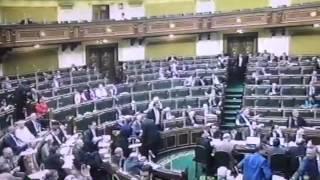 """بالفيديو والصور..قاعة البرلمان تخلو من النواب فى جلسة بيان الحكومة و""""عبد العال"""" ينفعل"""