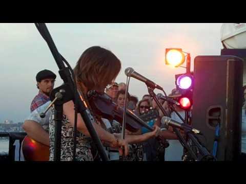 "Sara Watkins Live ""Fiddle Jam"" on Hornblower Cruises with KPRI FM"