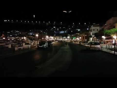 Μηδενική κίνηση στην παραλιακή Καλύμνου πρώτη ημέρα απαγόρευσης κυκλοφορίας μετά τις 9.00 το βράδυ