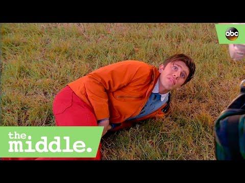 Brad Surprises Sue at College  The Middle