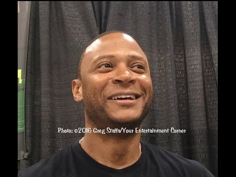 Interview with David Ramsey (Diggle) from The CW's Arrow at 2016 Wizard World Minneapolis
