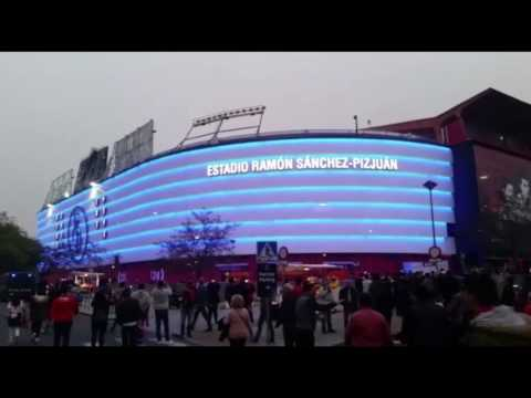 El Sánchez Pizjuán estrena la iluminación de su fachada en la previa del choque ante el Leicester