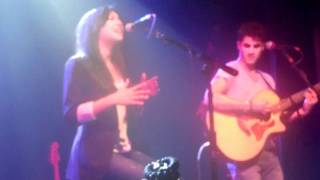 "Gambar cover Darren Criss & Naya Rivera ""Valerie"" at Irving Plaza"
