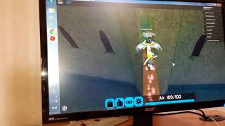 Playing Roblox Flood escape Ep.1