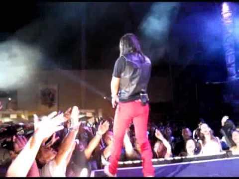 Journey - Separate Ways (Live in Manila)