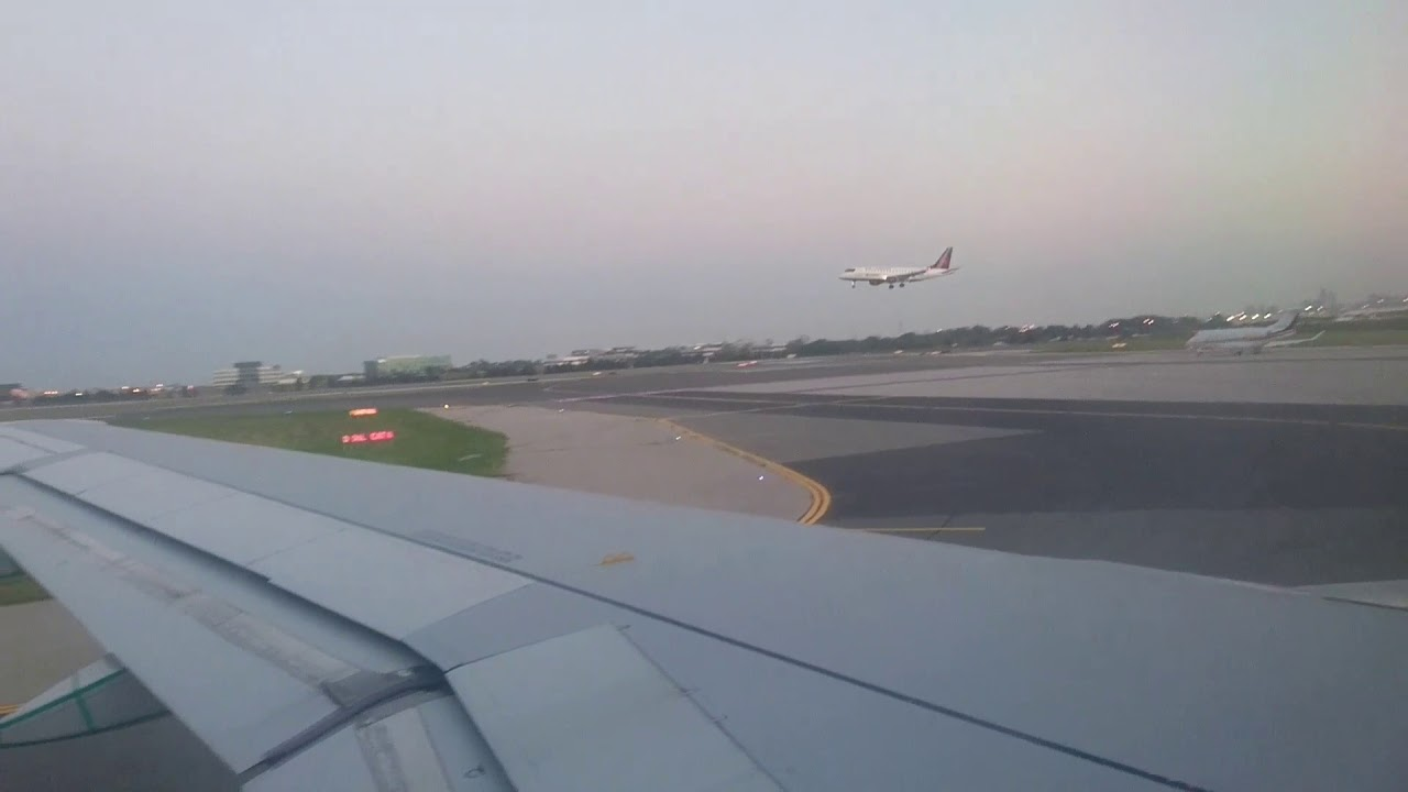taking off from toronto airport yyz pearson air. Black Bedroom Furniture Sets. Home Design Ideas