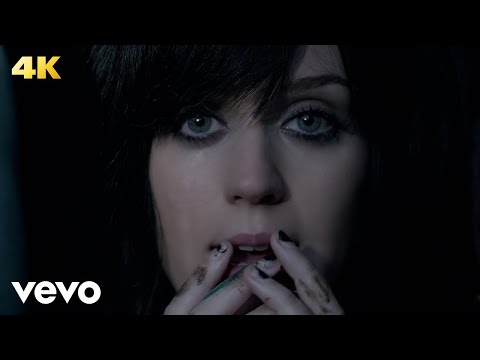 Katy Perry - The One That Got Away Travel Video