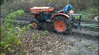 Kubota 7001 z przyczepką. Traktorek ogrodowy. www.akant-ogrody.pl