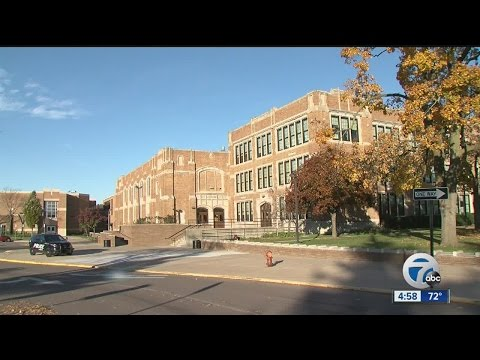 Noose found hanging from boy's bathroom stall at Royal Oak Middle School
