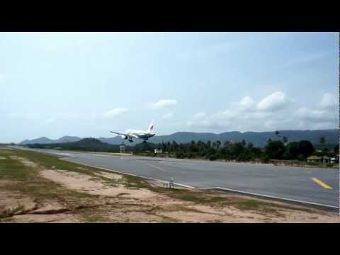 Bangkok Airways Airbus 319 landing Koh Samui Airport, Thailand