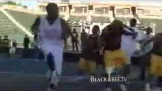 Snoop Dogg disses Soulja Boy, then does the dance