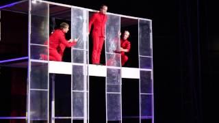 Сочи-парк цирк акробаты на батуте