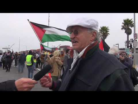 Israeli ZIM Volans Blocked In  Oakland As ILWU 10 Members Refuse To Cross Picket Line Of Hundreds