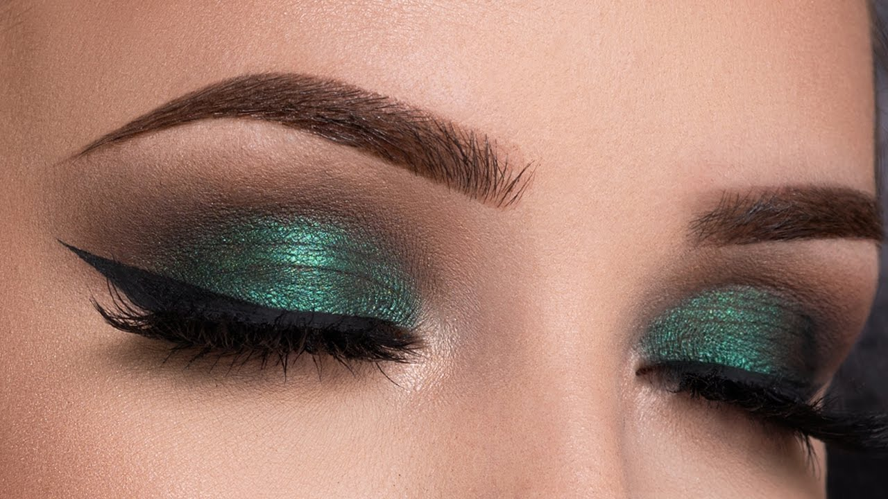 Watch Emerald Green Gold Makeup Tutorial video