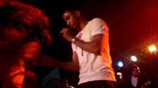 Trey Songz performs one love