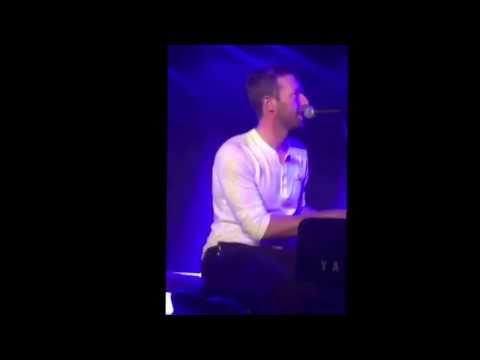 Chris Martin singing Hotline Bling by...