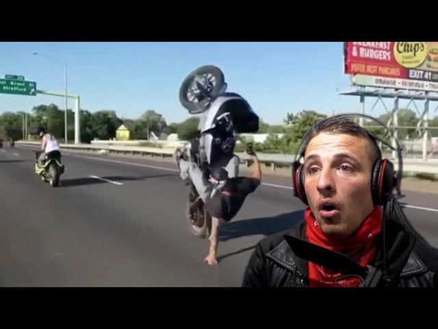 Quand les bikers lèvent leurs Harley !