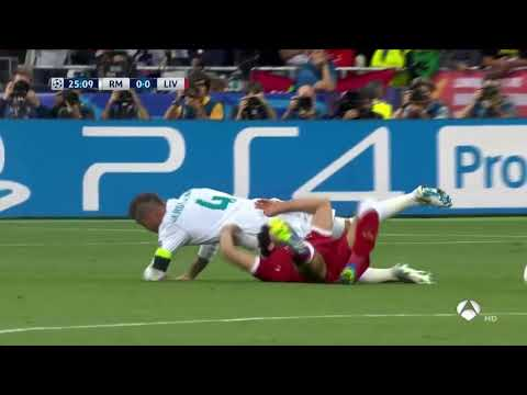 Sergio Ramos awful Tackle to Mo Salah !