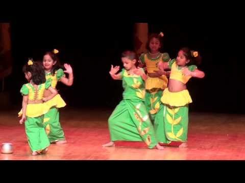 Naana Vile - Independence Day Performance