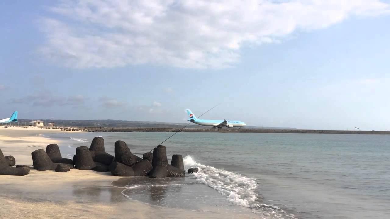 Aeroporto Bali : Bali aéroport de bali denpasar bali denpasar airport youtube