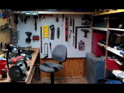 Shipping container small engine repair shop doovi for Small motor repair shop