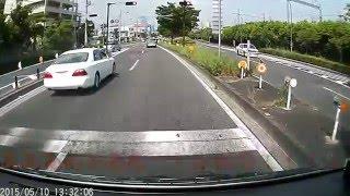 神奈川県警 覆面パトカーの目の前で、、、あっ!!ドラレコ thumbnail