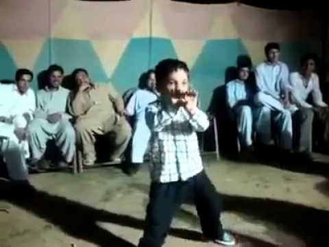 Pashto Funny Dance By A Child - Uzgar Entertainment