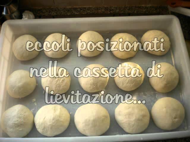 Ricetta Impasto Pizza Forno A Legna.Video Ricetta Vera Pizza Napoletana Fatta In Casa Con Forno A Legna Youtube