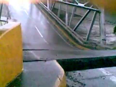 Rio piedra se lleva puente en chiriqu youtube for Piedra de rio decorativa