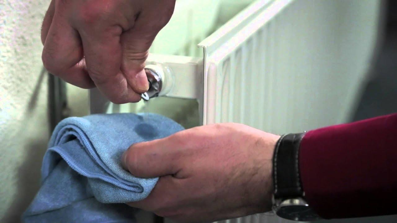 Thermic Radiator Ontluchten.Radiatoren Ontluchten Het Ontluchten Van De Verwarming Instructievideo
