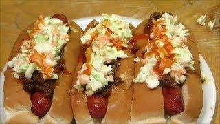 Carolina Hot Dog - Hot Dog With Chili And Cole Slaw