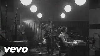 Music video by Emmanuel Horvilleur performing 19. (C) 2009 Sony Mus...