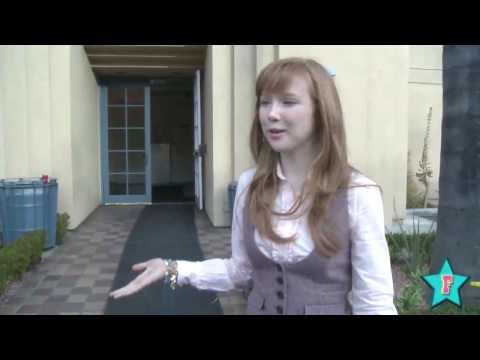 Behind The Scenes Of Castle With Molly Quinn!