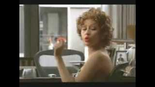 Baixar Christina Aguilera Hot Stuff In A Chair.