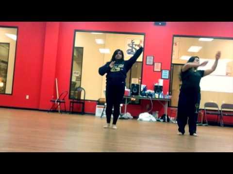 Mohe Rang Do Laal Dance