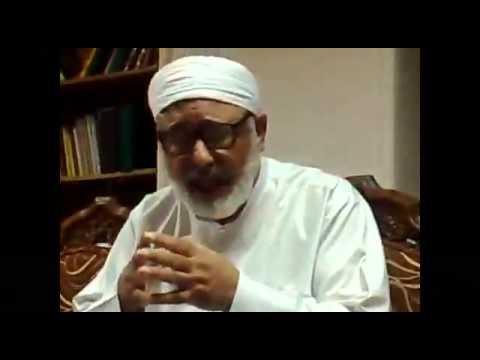 Dr Mahmoud Said Mamdouh, la prière dans une mosquée ou il y a une tombe.
