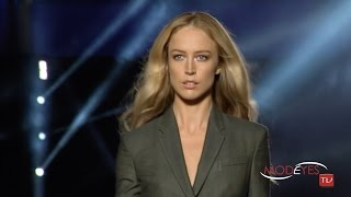 VERSACE WOMAN SPRING SUMMER 2016 FASHION SHOW (FULL HD)