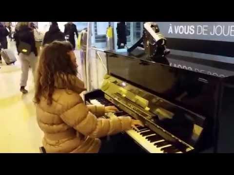 Myriam 2 mn  d'arrêt avec Chopin en gare de Grenoble(1)
