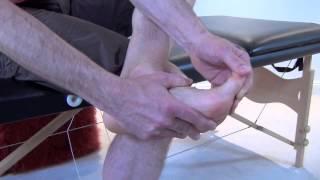 Automassage de la cheville et du pied