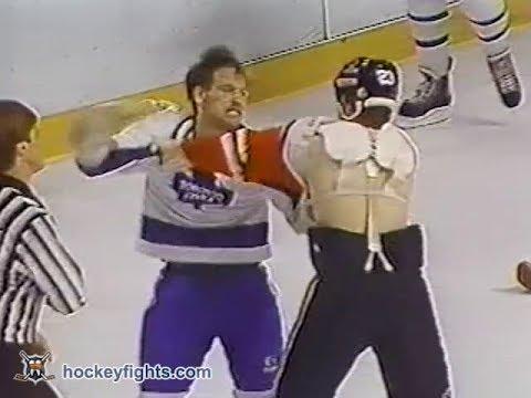 Behn Wilson vs Wendel Clark Feb 1, 1986